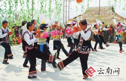 云南 拉祜族/223日,勐海县勐满镇幸福展村拉祜族同胞伴着悠扬的芦笙、欢快...