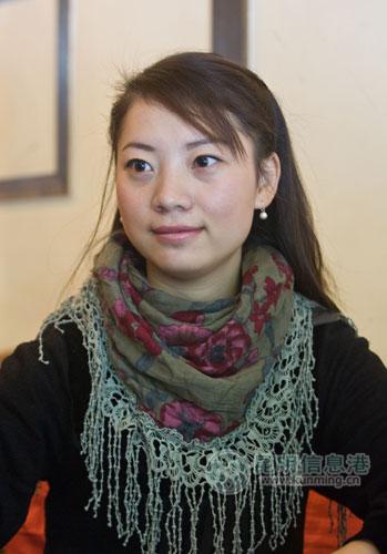 自拍纪录片云艺女生想做杨丽萍第二(图)惩罚刑女生羞要用图片