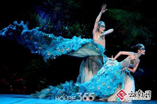 看 孔雀 收官云南 杨丽萍国际舞蹈季 早鸟票 出笼