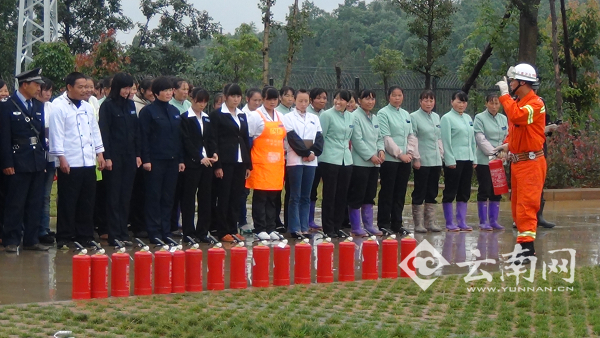 云南马龙开展人员密集场所消防安全培训 图