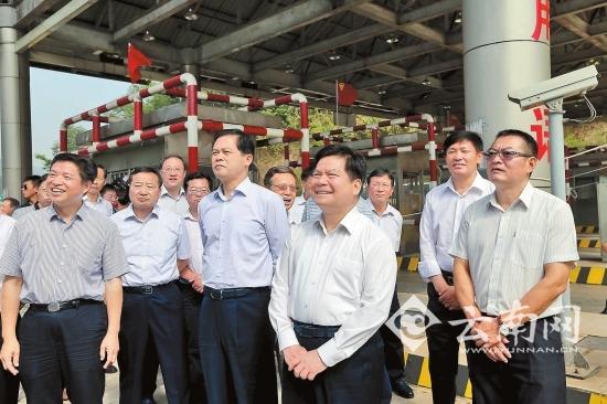 云南小磨高速路改扩建工程试验段正式开工