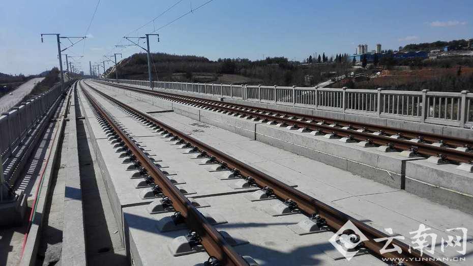 铁路局曲靖工务段高铁介入办技术员田兵告诉记者,今年7月份沪